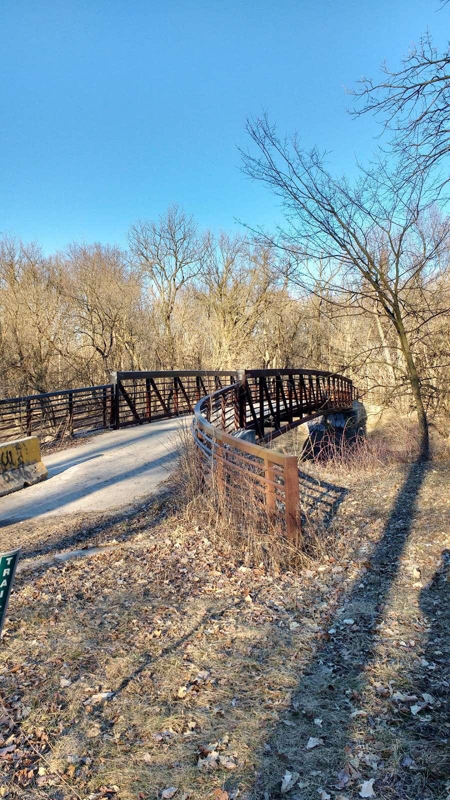 Sunset Bridge Meadow - park  | Photo 4 of 6 | Address: Des Plaines River Trail, River Grove, IL 60171, USA | Phone: (800) 870-3666