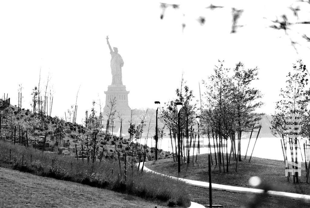 The Hills - park  | Photo 7 of 10 | Address: 870-898 Gresham Rd, New York, NY 10004, USA