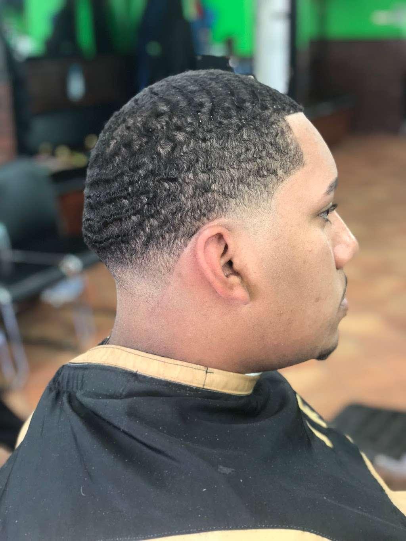Majestic barbershop - hair care  | Photo 9 of 10 | Address: 163 Passaic St, Garfield, NJ 07026, USA | Phone: (973) 470-9777