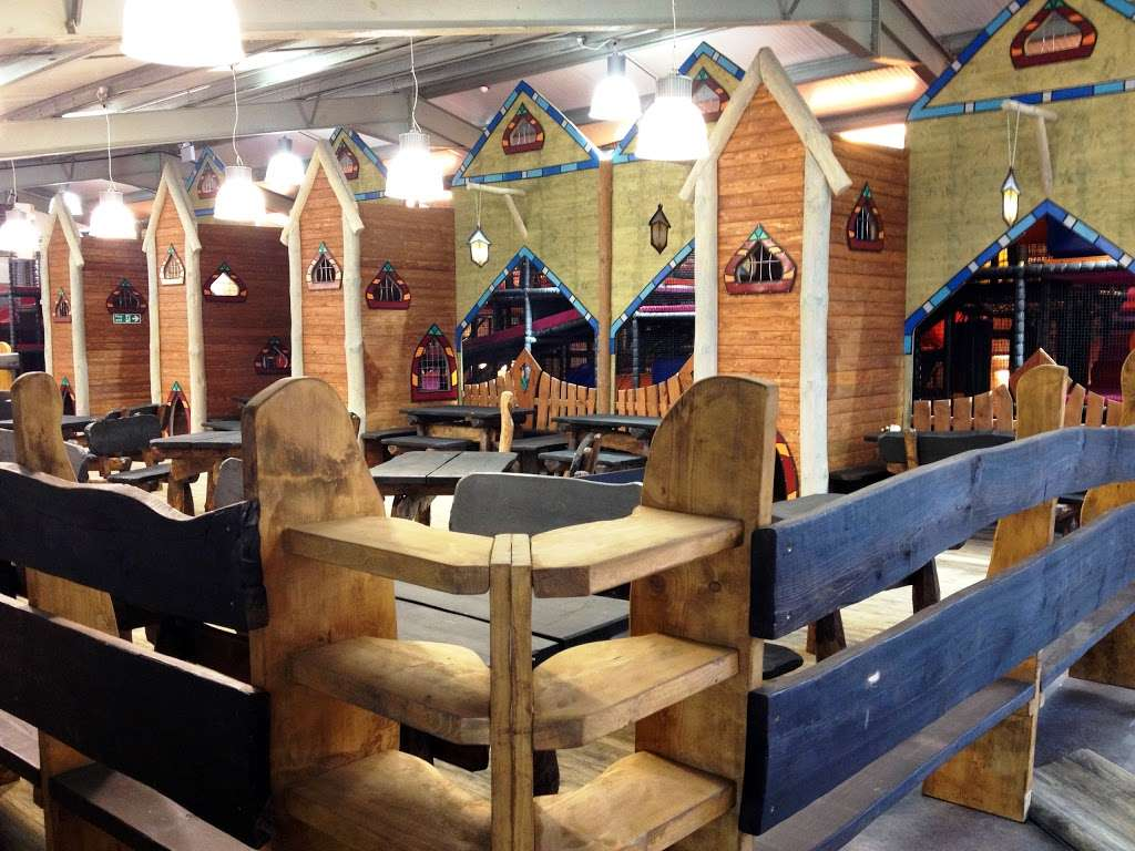 Hobbledown Adventure Farm Park and Zoo - zoo  | Photo 3 of 10 | Address: Horton Ln, Epsom KT19 8PT, UK | Phone: 01372 848990