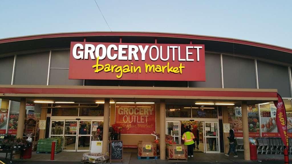 Grocery Outlet Bargain Market - supermarket    Photo 3 of 10   Address: 2900 Broadway, Oakland, CA 94611, USA   Phone: (510) 465-5649