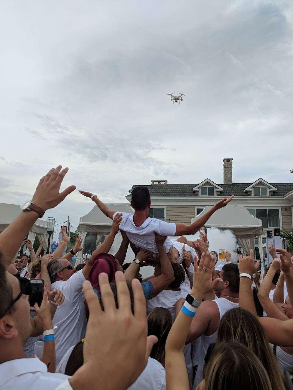 Resort 88 - lodging  | Photo 6 of 10 | Address: 88 Ocean Ave, Monmouth Beach, NJ 07750, USA