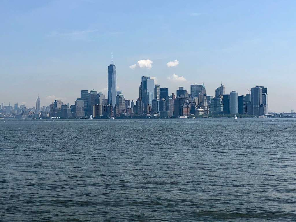 Circle Line Statue of Liberty - travel agency  | Photo 2 of 3 | Address: 80 Audrey Zapp Dr, Jersey City, NJ 07304, USA | Phone: (877) 523-9849