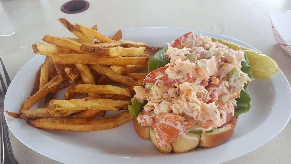 The Wharf - restaurant  | Photo 8 of 10 | Address: 416 B 116th St, Rockaway Park, NY 11694, USA | Phone: (718) 474-8807