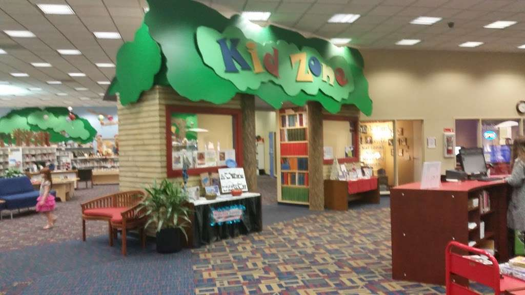 Sterling Municipal Library - library  | Photo 5 of 9 | Address: 4258, 1 Mary Elizabeth Wilbanks Ave, Baytown, TX 77520, USA | Phone: (281) 427-7331