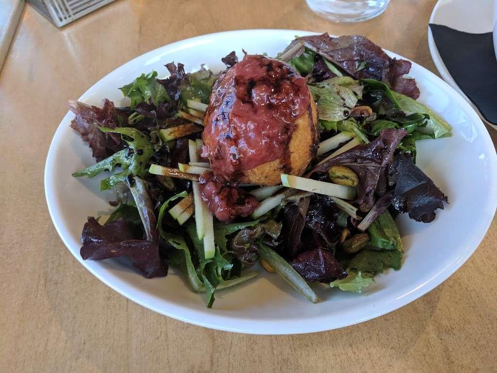 Bernies Restaurant & Bar Glenside - restaurant    Photo 8 of 10   Address: 391 Highland Ave, Glenside, PA 19038, USA   Phone: (215) 572-5927