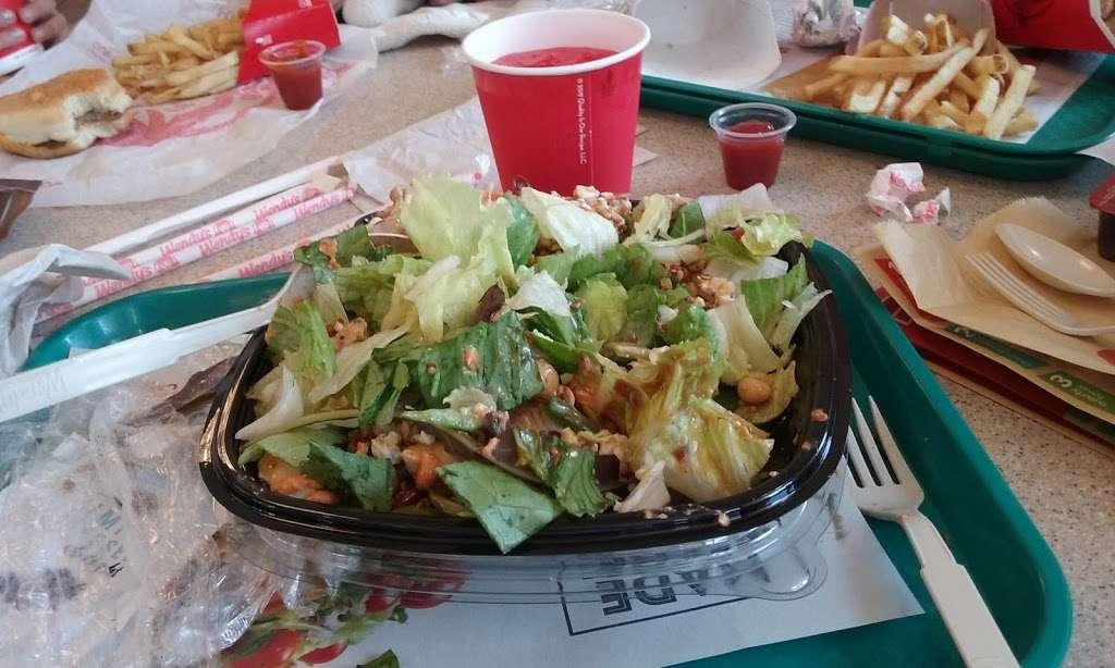 Wendys - restaurant  | Photo 8 of 10 | Address: 1405 W Baseline Rd, Tempe, AZ 85283, USA | Phone: (480) 756-0582