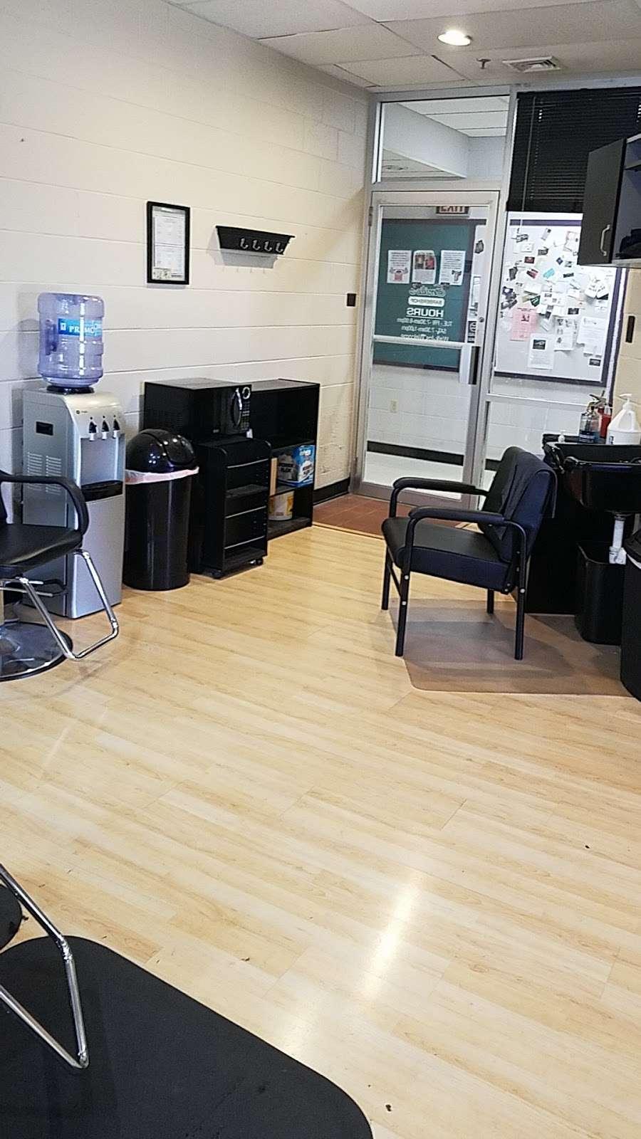 Emilios Barber Shop - hair care  | Photo 2 of 4 | Address: 2880 Carol Rd, East York, PA 17402, USA | Phone: (717) 968-8239