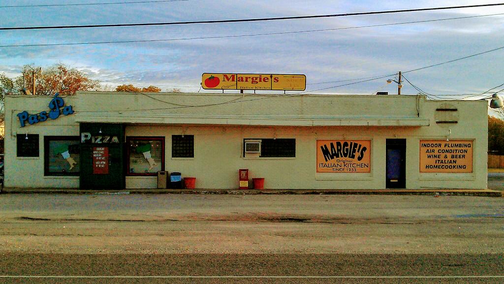 Margies Original Italian Kitchen - restaurant  | Photo 1 of 7 | Address: 9805 Camp Bowie W Blvd, Fort Worth, TX 76116, USA | Phone: (817) 244-4301