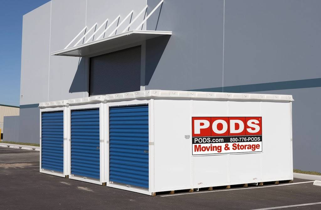 PODS Moving & Storage - moving company  | Photo 9 of 10 | Address: 8500 Clinton Rd, Cleveland, OH 44144, USA | Phone: (877) 770-7637