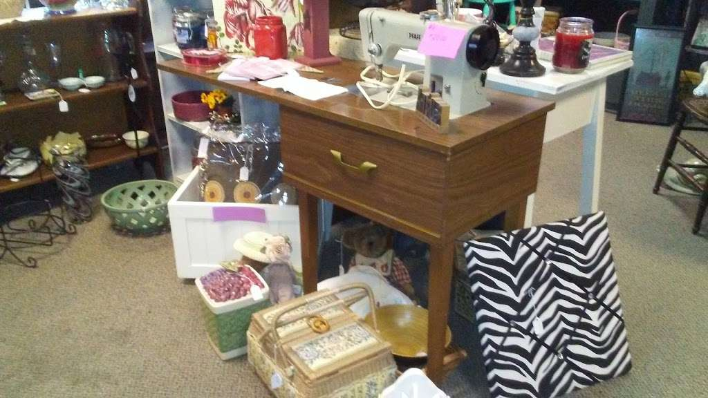 Thrifty Elegance - store    Photo 6 of 10   Address: 1708 Columbia Ave, Lancaster, PA 17603, USA   Phone: (717) 299-4445
