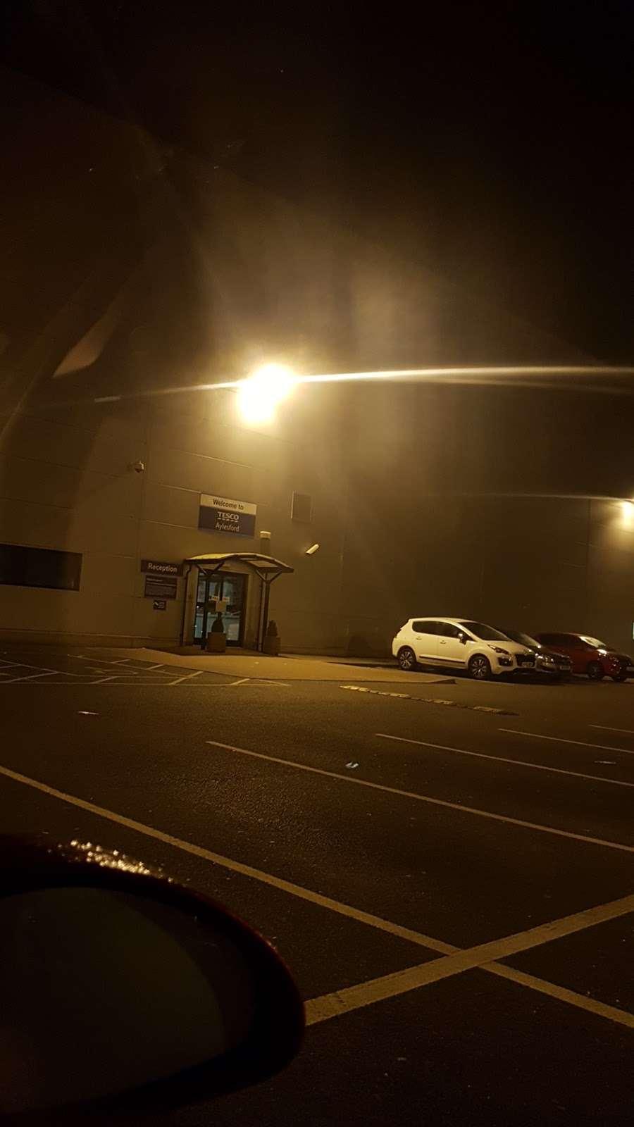 Tesco Dotcom CFC Aylesford - storage  | Photo 5 of 5 | Address: 28 Priory Park, Ditton, Aylesford ME20 7PP, UK | Phone: 01622 700400