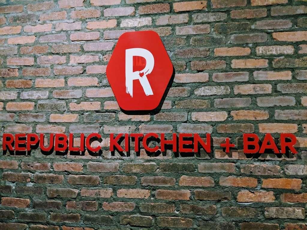 Republic kitchen and bar - restaurant  | Photo 7 of 10 | Address: 262 Main St, Monroe, CT 06468, USA | Phone: (203) 590-3826