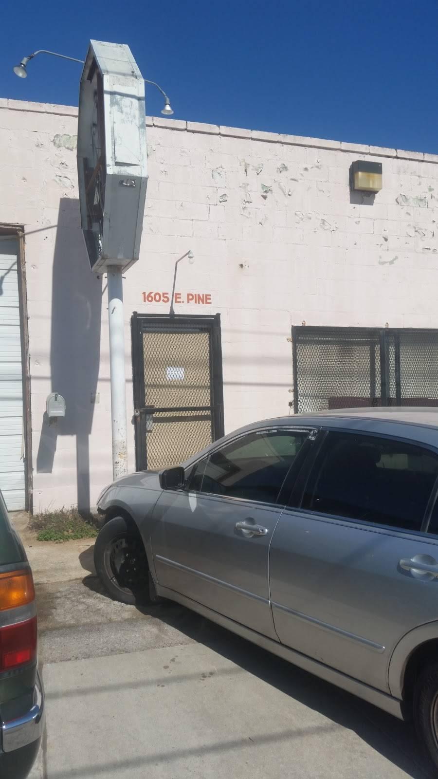 Pine Street Auto Recyclers & Salvage Inc - car repair  | Photo 8 of 10 | Address: 1561 E Pine St, Tulsa, OK 74106, USA | Phone: (918) 794-7770