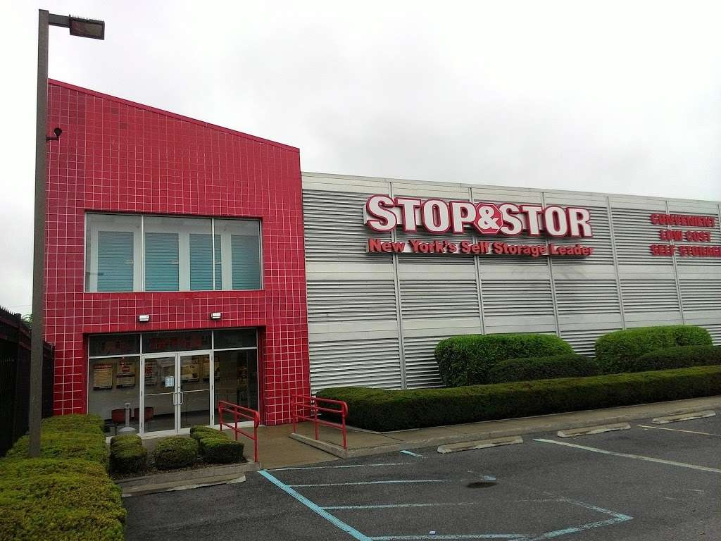 Stop and Stor Starrett City / East New York - storage  | Photo 1 of 10 | Address: 12501 Flatlands Ave, Brooklyn, NY 11208, USA | Phone: (718) 898-8000