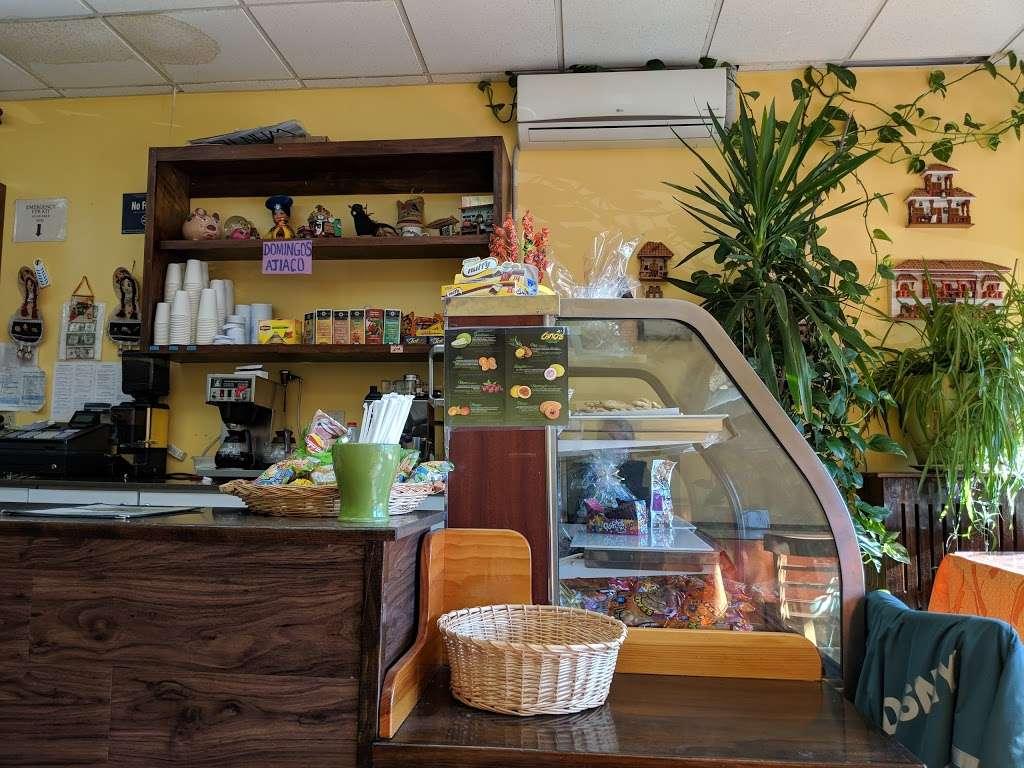Chiqui Cafe - cafe  | Photo 4 of 7 | Address: 24617 Jericho Turnpike, Queens, NY 11426, USA | Phone: (718) 347-8100