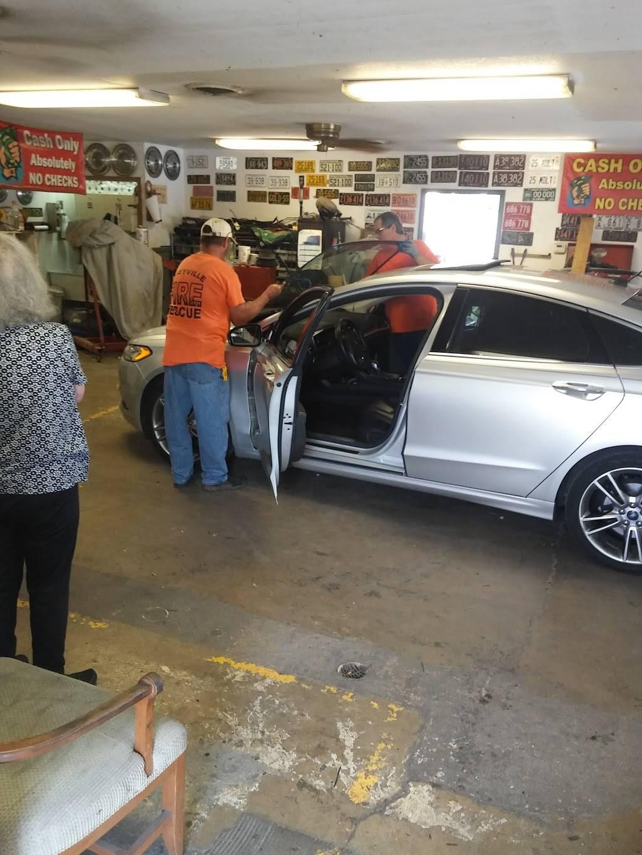 R & R Auto Glass - car repair  | Photo 3 of 4 | Address: 2839 Camp Jackson Rd, East St Louis, IL 62206, USA | Phone: (618) 337-6030