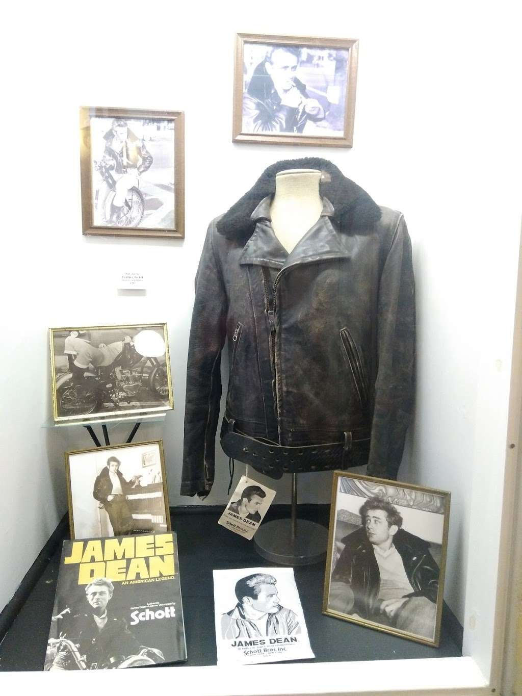 James Dean Gallery - museum  | Photo 3 of 9 | Address: 425 N Main St, Fairmount, IN 46928, USA | Phone: (765) 948-3326