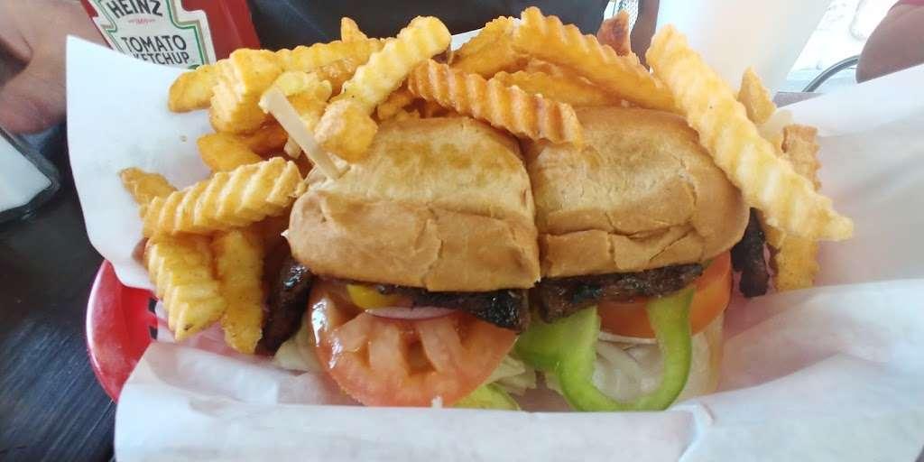 Mollys Burger - restaurant  | Photo 3 of 5 | Address: 7720 Telegraph Rd, Commerce, CA 90040, USA | Phone: (323) 724-2223