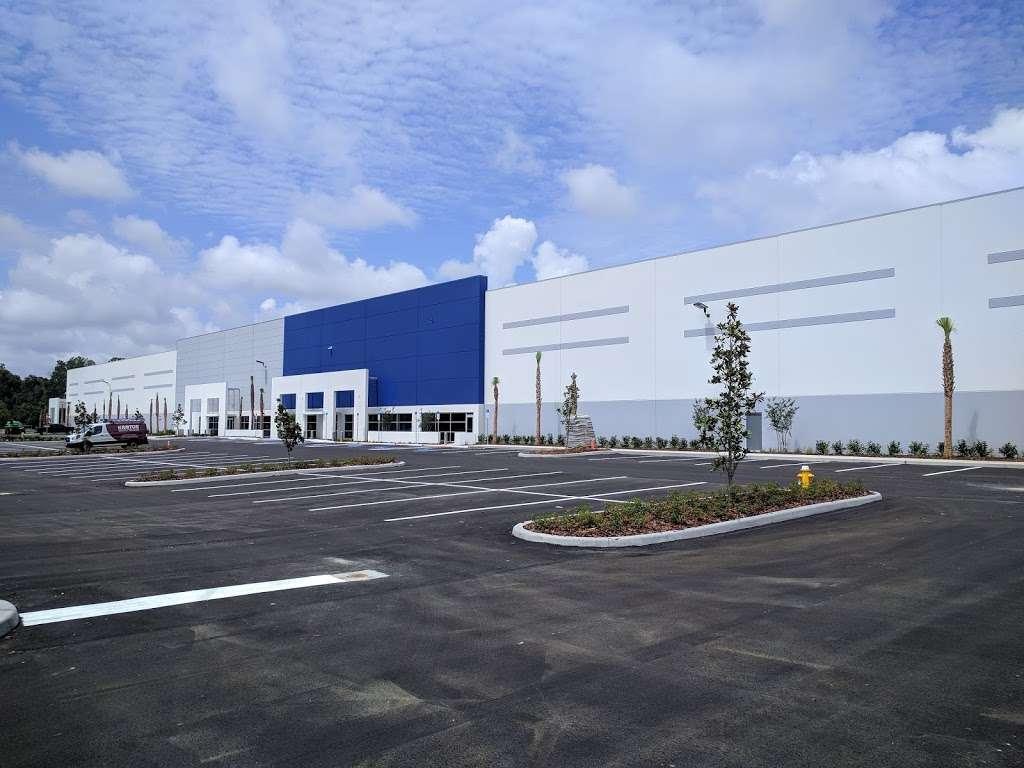 Best Buy Warehouse, Polk City - storage  | Photo 3 of 10 | Address: 8906 State Rd 33 N, Polk City, FL 33868, USA