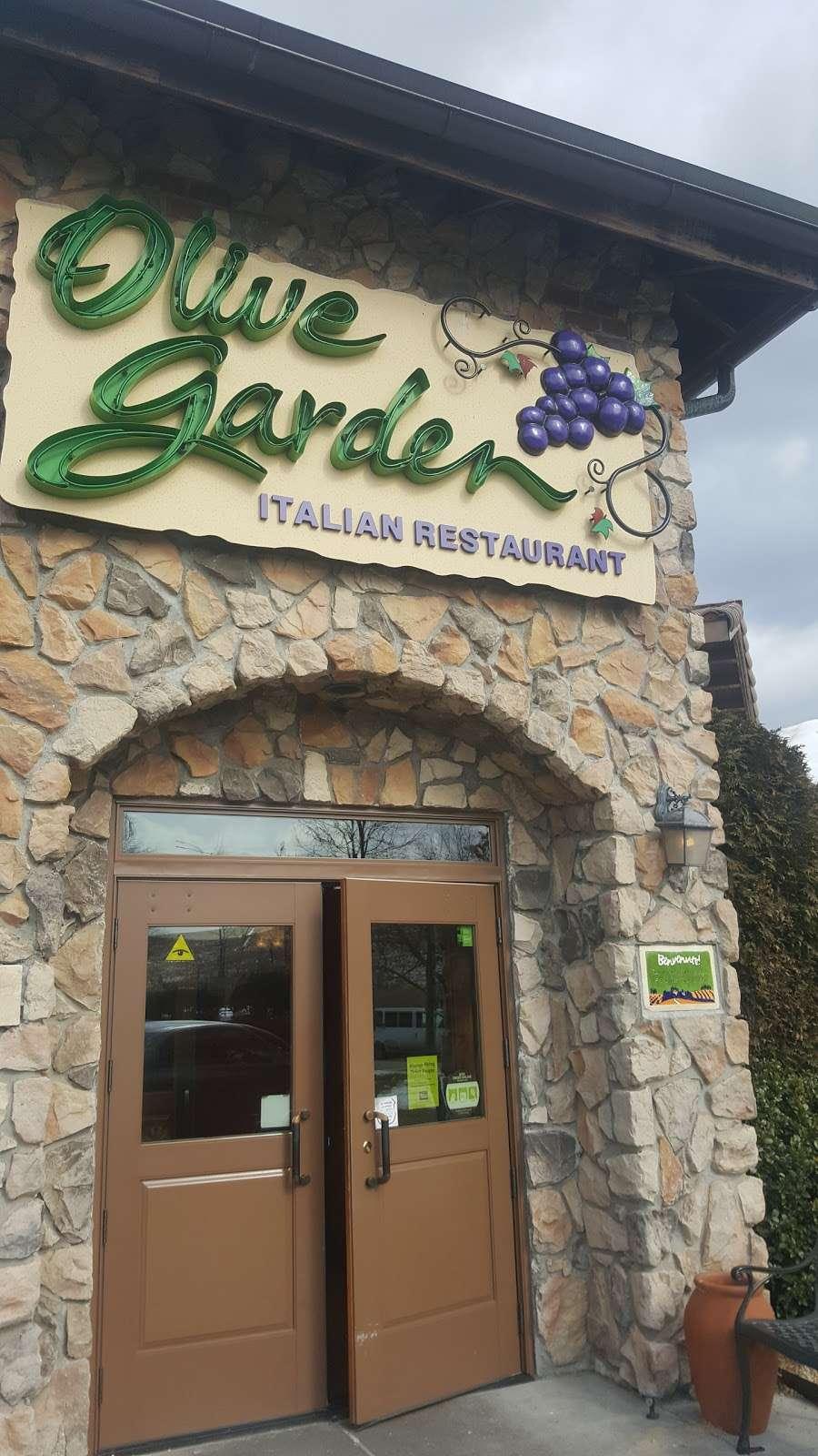 Olive Garden Italian Restaurant - meal takeaway  | Photo 3 of 10 | Address: 505 Gateway Dr, Brooklyn, NY 11239, USA | Phone: (718) 348-1071