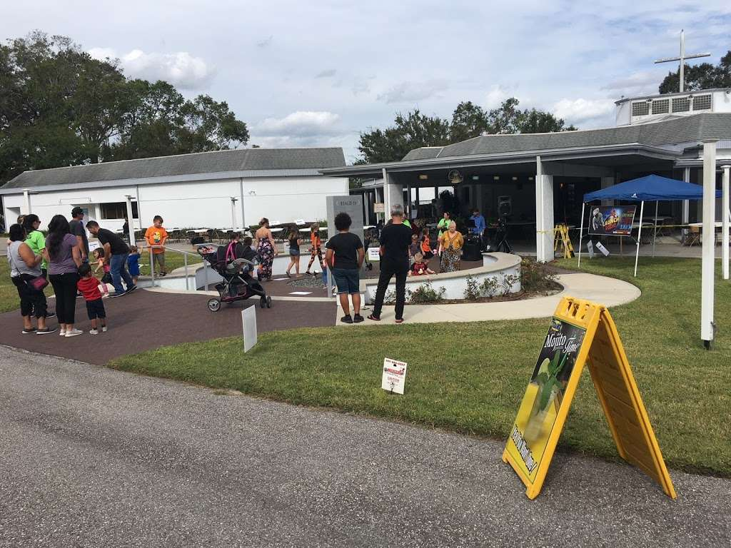 Rolling Hills Community Church - church  | Photo 1 of 10 | Address: 4407 W Orange Blossom Trail, Zellwood, FL 32798, USA | Phone: (407) 886-7664