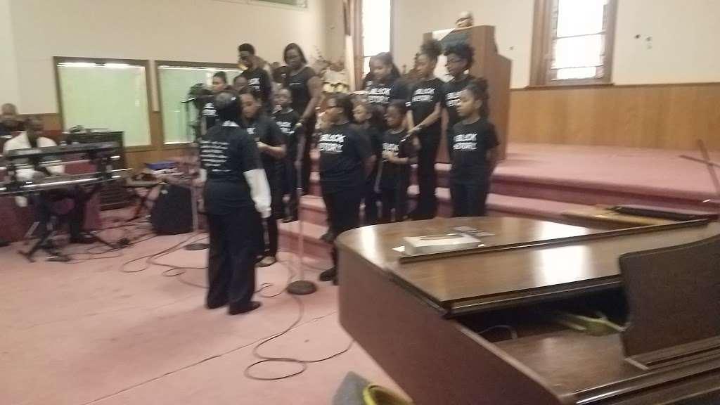 Calvary Gospel Church - church  | Photo 2 of 5 | Address: 17 Lyons Ave, Newark, NJ 07112, USA | Phone: (973) 926-3575