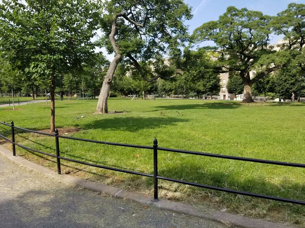 Joyce Kilmer Park - park  | Photo 2 of 10 | Address: 955 Walton Ave, Bronx, NY 10452, USA