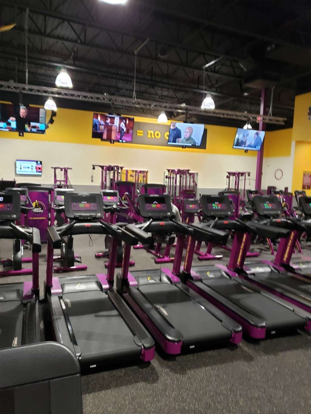 Planet Fitness 3204 Shopper S Drive Mchenry Township Il 60051 Usa