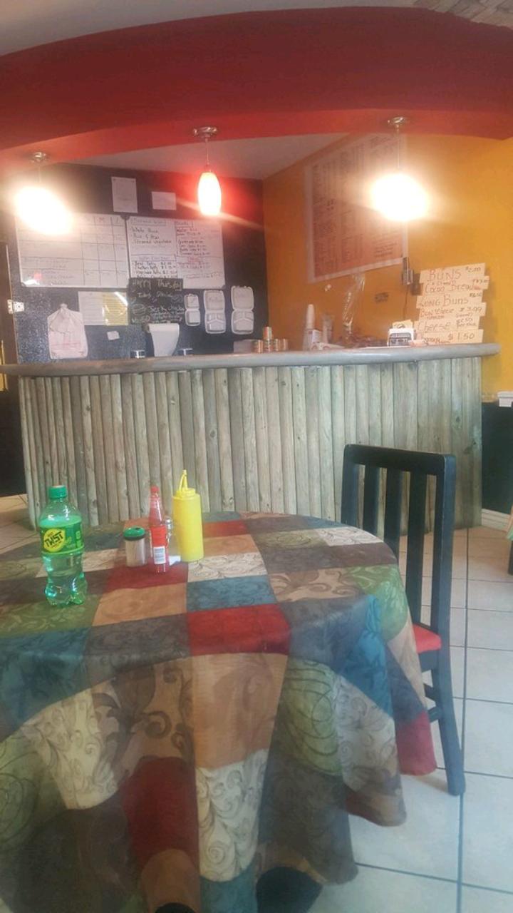 I-Land Vybz Jamaican Restaurant - restaurant  | Photo 5 of 10 | Address: 5929 Dyer St A, El Paso, TX 79904, USA | Phone: (915) 234-2754