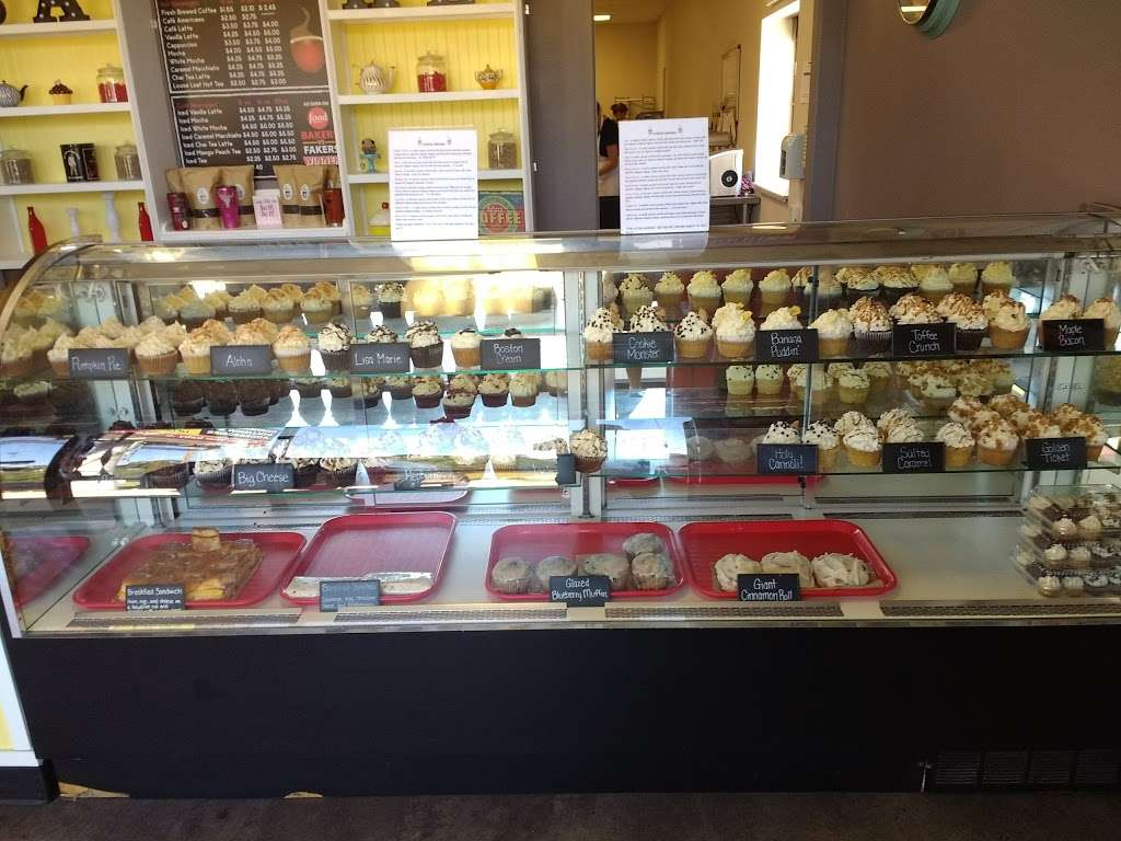 BabyCakes - bakery  | Photo 8 of 10 | Address: 12621 Old Hwy 105 W #107, Conroe, TX 77304, USA | Phone: (936) 703-5353