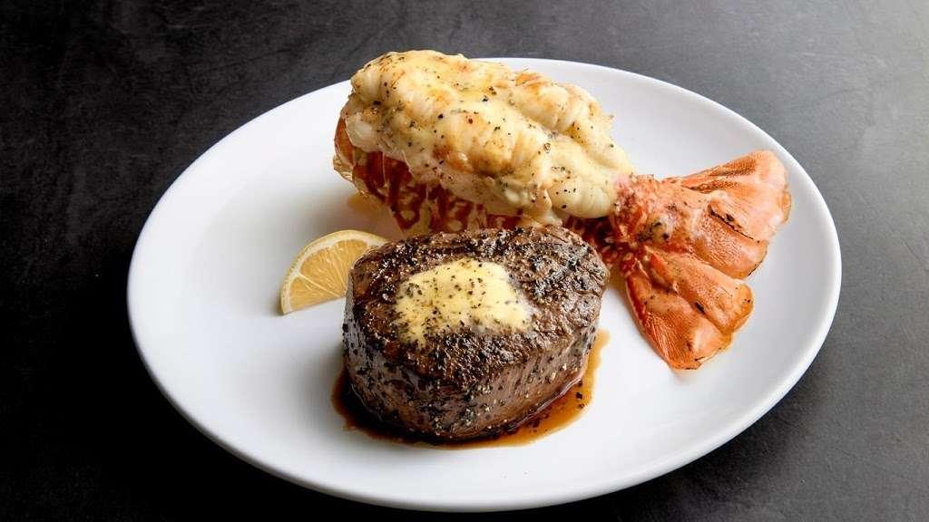 Chart House - restaurant  | Photo 2 of 10 | Address: Lincoln Harbor Pier D-T, Weehawken, NJ 07086, USA | Phone: (201) 348-6628