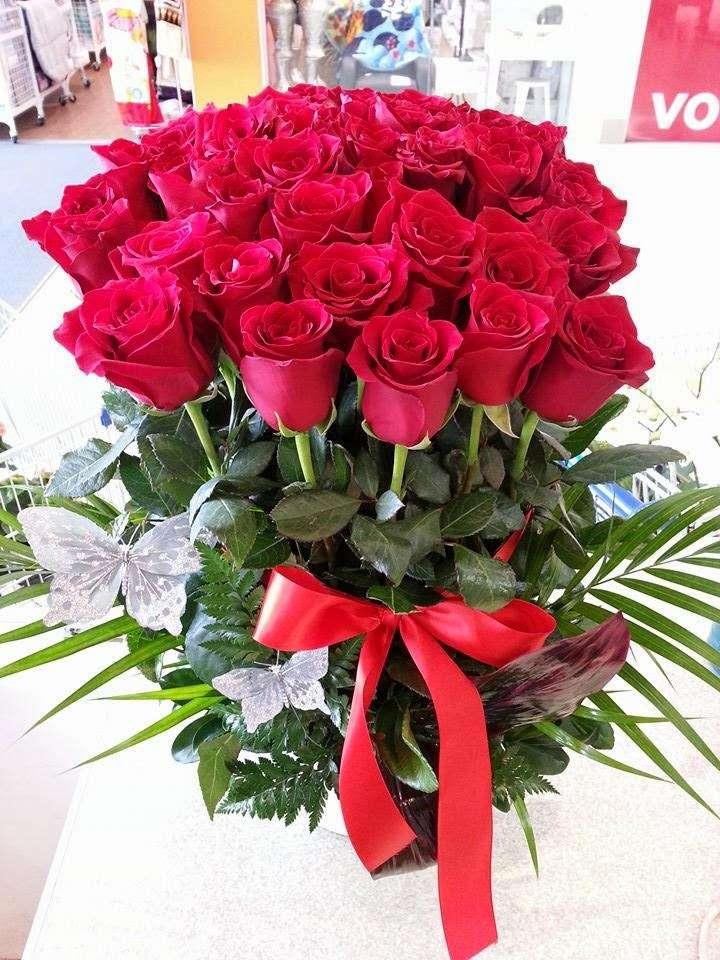 Crown Heights Florist & Fruit Baskets - florist    Photo 7 of 10   Address: 325 Kingston Ave, Brooklyn, NY 11213, USA   Phone: (718) 773-1000
