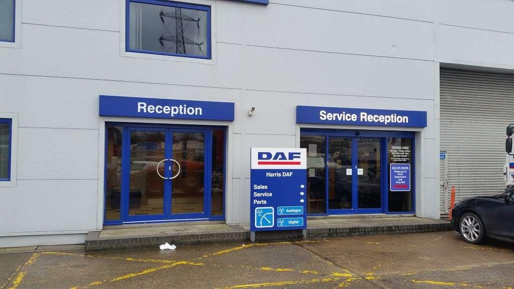 Harris DAF - store    Photo 3 of 10   Address: 601 London Rd, Grays RM20 4AU, UK   Phone: 01708 868386