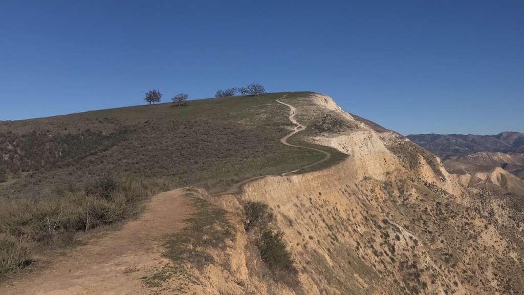 Whiteface Mountain Trailhead - park    Photo 4 of 10   Address: 619016002, Simi Valley, CA 93065, USA