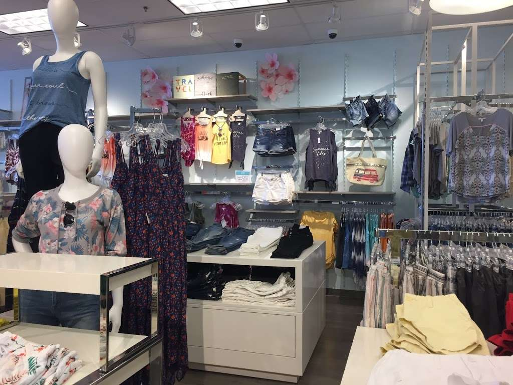 Maurices - clothing store  | Photo 1 of 10 | Address: 7981 W Tropical Pkwy, Las Vegas, NV 89149, USA | Phone: (702) 395-0588