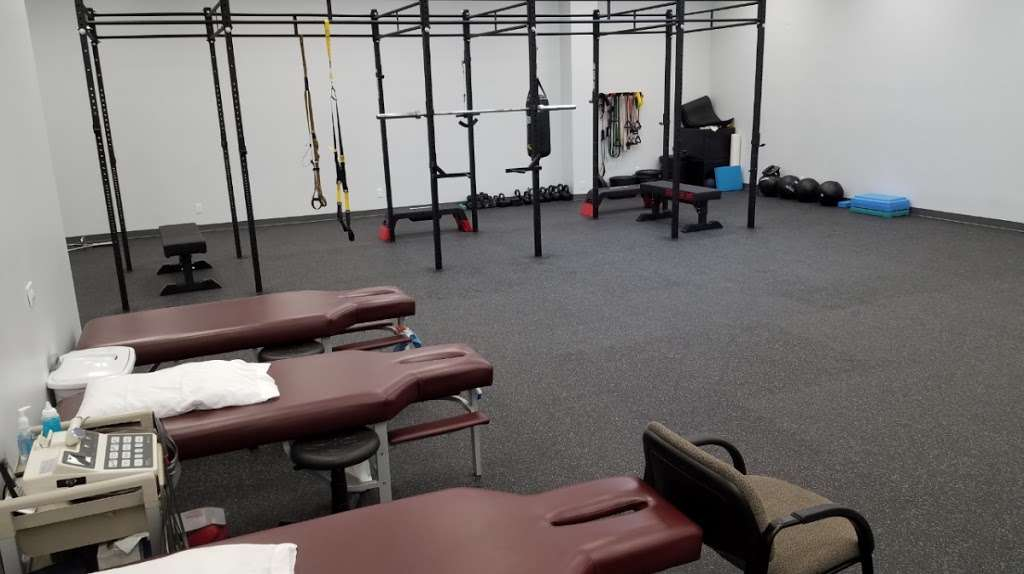 React Spine and Sports Institute - health  | Photo 1 of 10 | Address: 1824 Johns Dr, Glenview, IL 60025, USA | Phone: (224) 432-5276