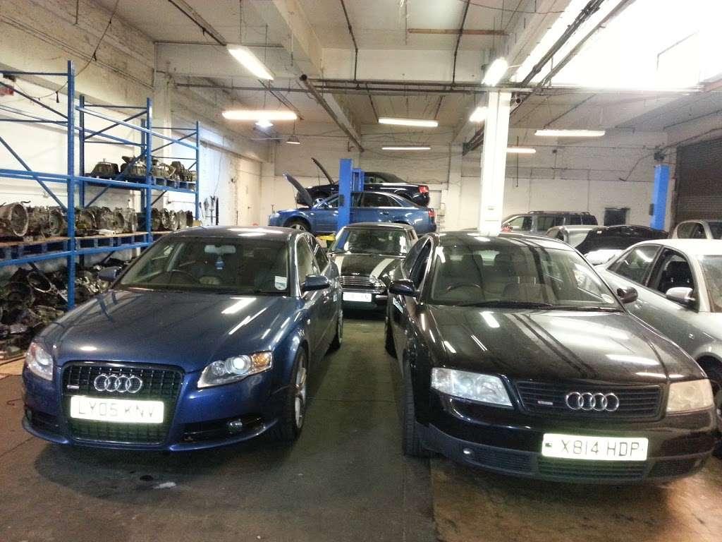 Auto Trans Tech UK - car repair    Photo 3 of 10   Address: 29 Thurrock Commercial Centre, Purfleet Industrial Park, Purfleet RM15 4YD, UK   Phone: 020 8539 5376