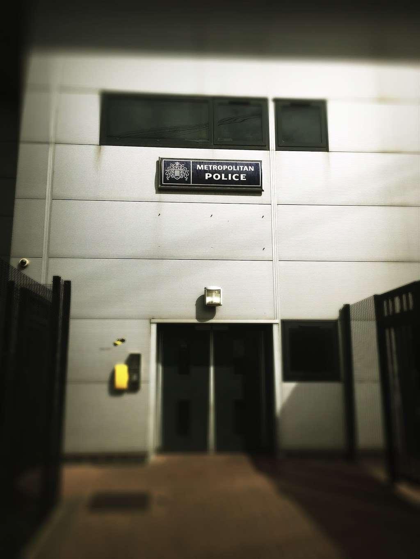 Fresh Wharf Custody Base - police  | Photo 6 of 10 | Address: Unit 24, Muirhead Quay, Quay Rd, Barking IG11 7BG, UK | Phone: 020 3276 1008