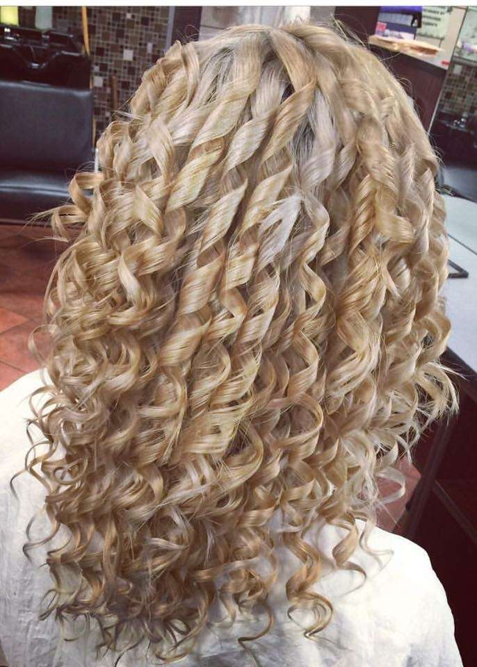 Nisis Hair Care - hair care  | Photo 4 of 10 | Address: 7847 W Belmont Ave, Elmwood Park, IL 60707, USA | Phone: (708) 695-9382