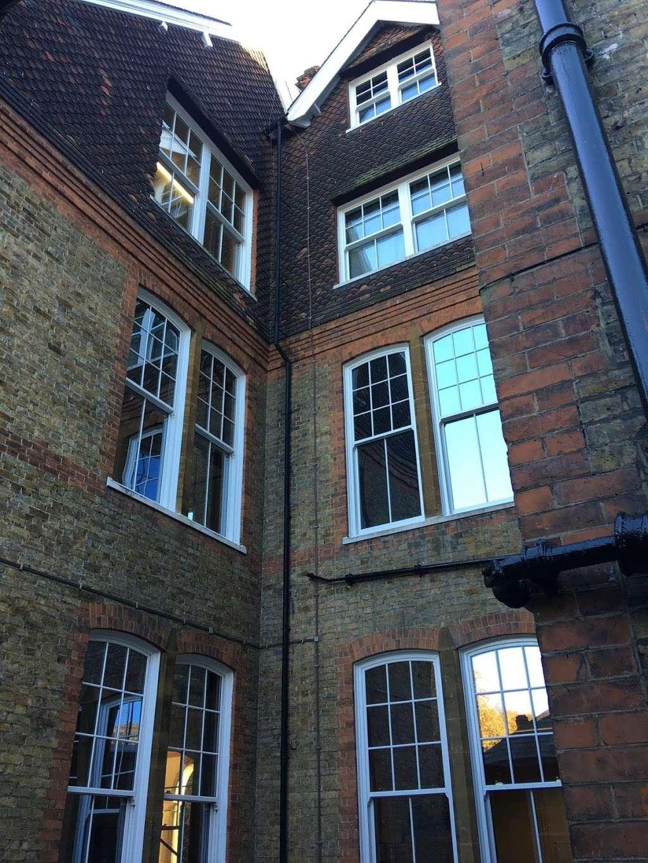 Parkwood Hall Co-operative Academy - school  | Photo 4 of 5 | Address: Beechenlea Ln, Swanley BR8 8DR, UK | Phone: 01322 664441