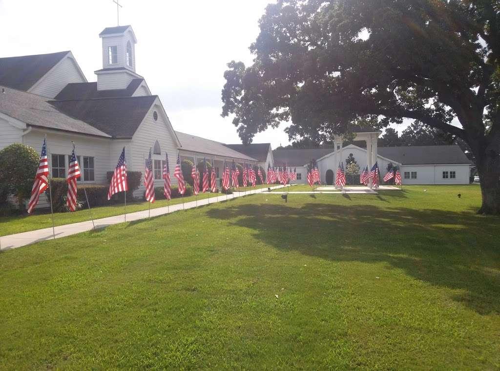 Montgomery United Methodist Church - church  | Photo 6 of 10 | Address: 22548 TX-105, Montgomery, TX 77356, USA | Phone: (936) 597-6162
