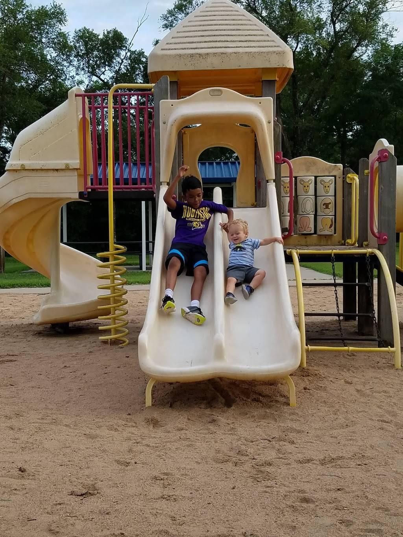 Eagle Lake Park - park  | Photo 5 of 10 | Address: Bel Aire, KS 67220, USA | Phone: (316) 744-2451