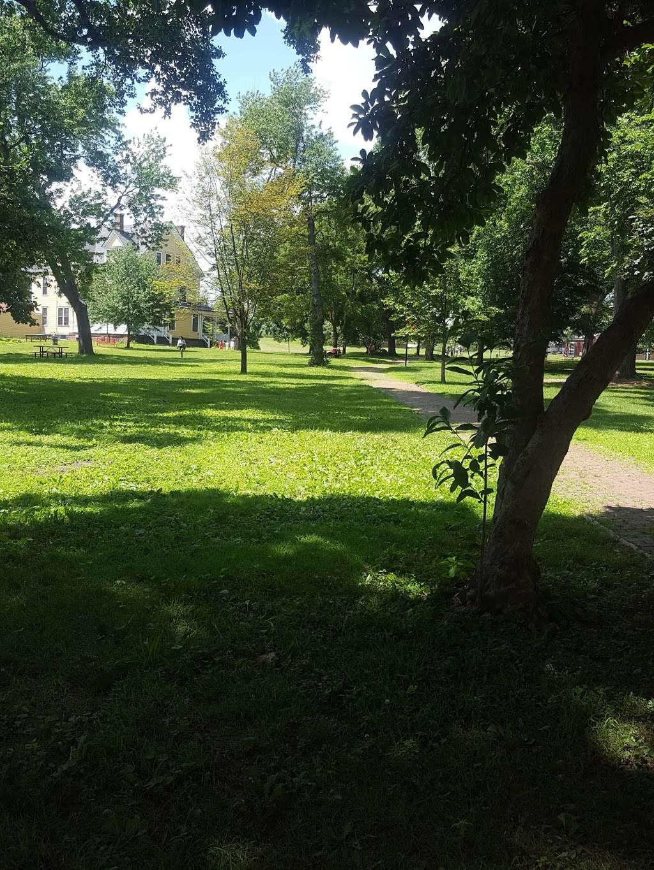 Nolan Park - park  | Photo 6 of 8 | Address: Governors Is, New York, NY 10004, USA