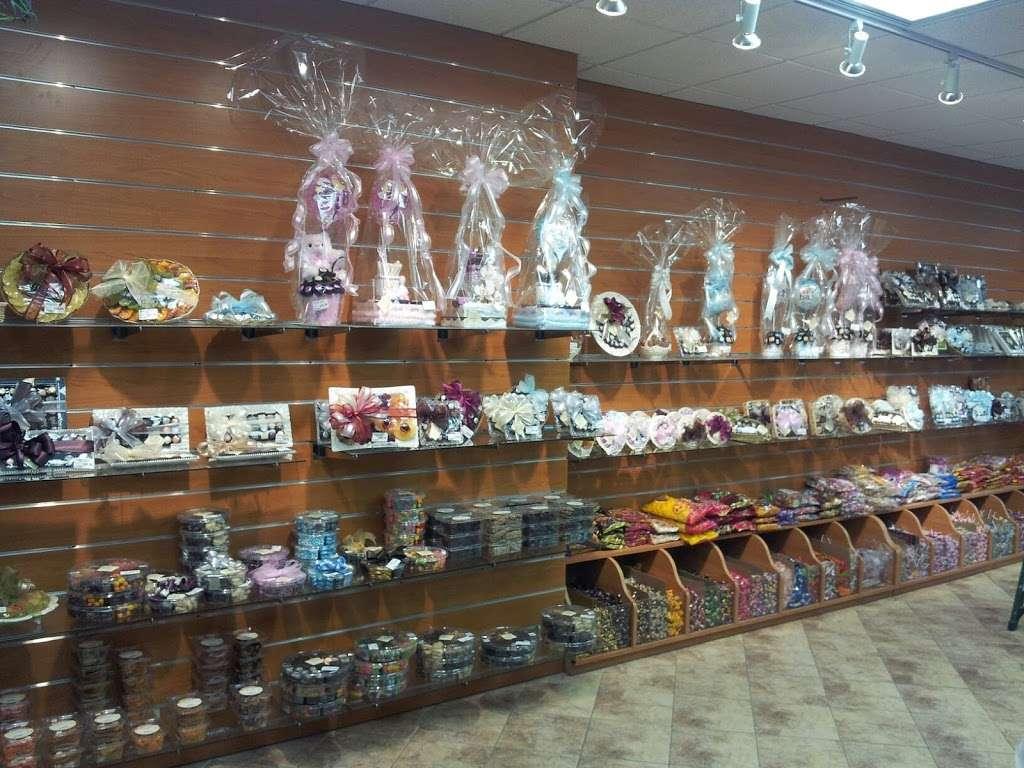 Chocolicious NY - store  | Photo 9 of 10 | Address: 175 Division Ave, Brooklyn, NY 11211, USA | Phone: (888) 969-6069
