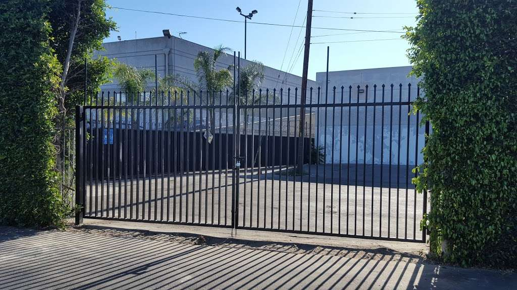 Marquez Produce Inc - store  | Photo 2 of 8 | Address: 2155 E 14th St, Los Angeles, CA 90021, USA | Phone: (213) 622-7638
