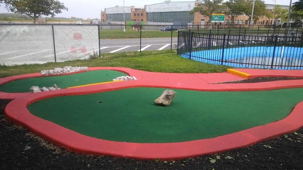 Aviator Golf Center - health  | Photo 3 of 10 | Address: 7015, 3200 Flatbush Ave, Brooklyn, NY 11234, USA | Phone: (718) 253-6816