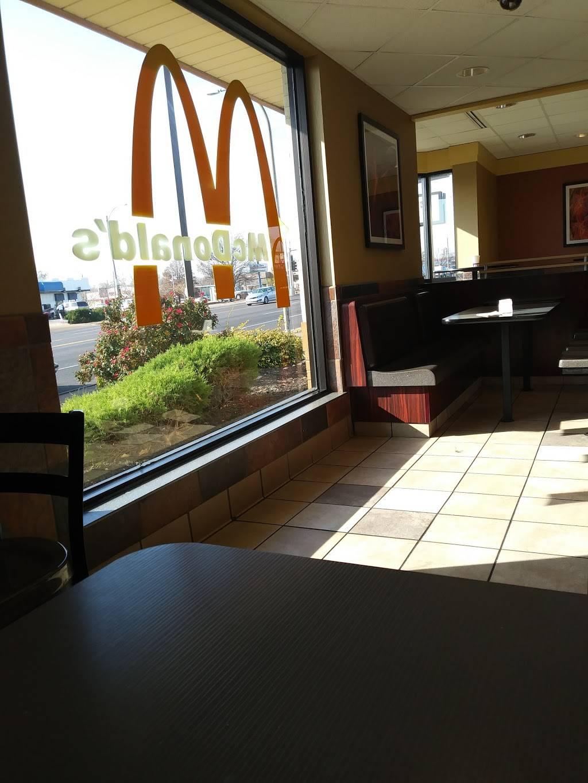 McDonalds - cafe  | Photo 6 of 8 | Address: 4979 Natural Bridge Ave Rd, St. Louis, MO 63115, USA | Phone: (314) 381-1328