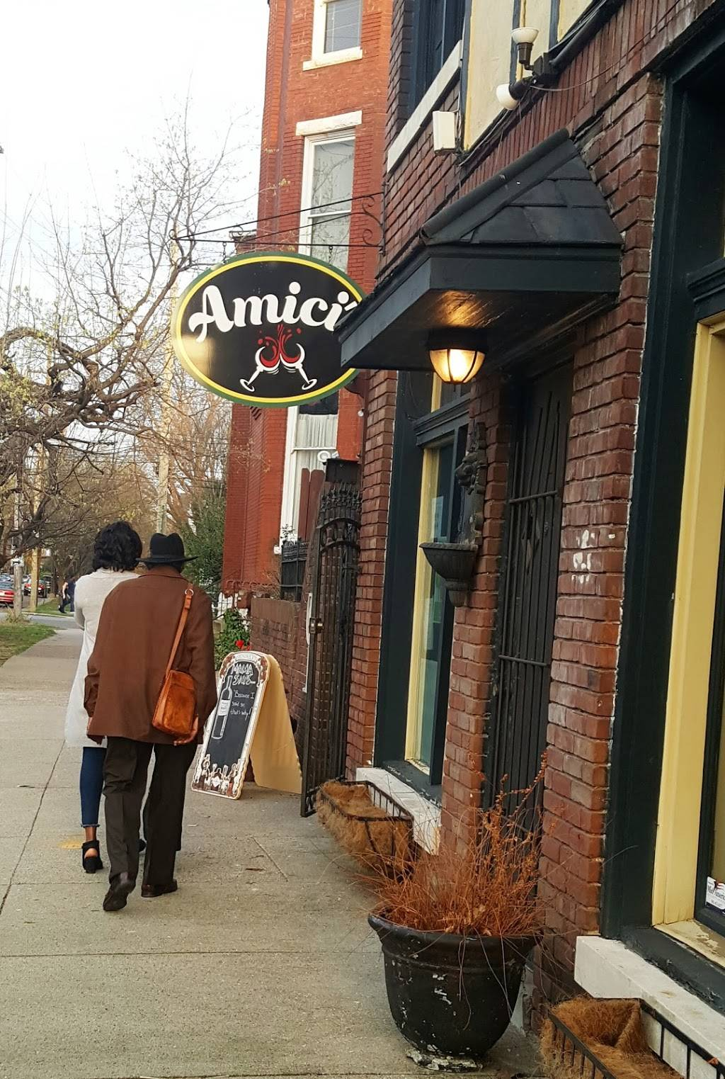 Amici Cafe - cafe    Photo 4 of 9   Address: 316 W Ormsby Ave, Louisville, KY 40203, USA   Phone: (502) 637-3167