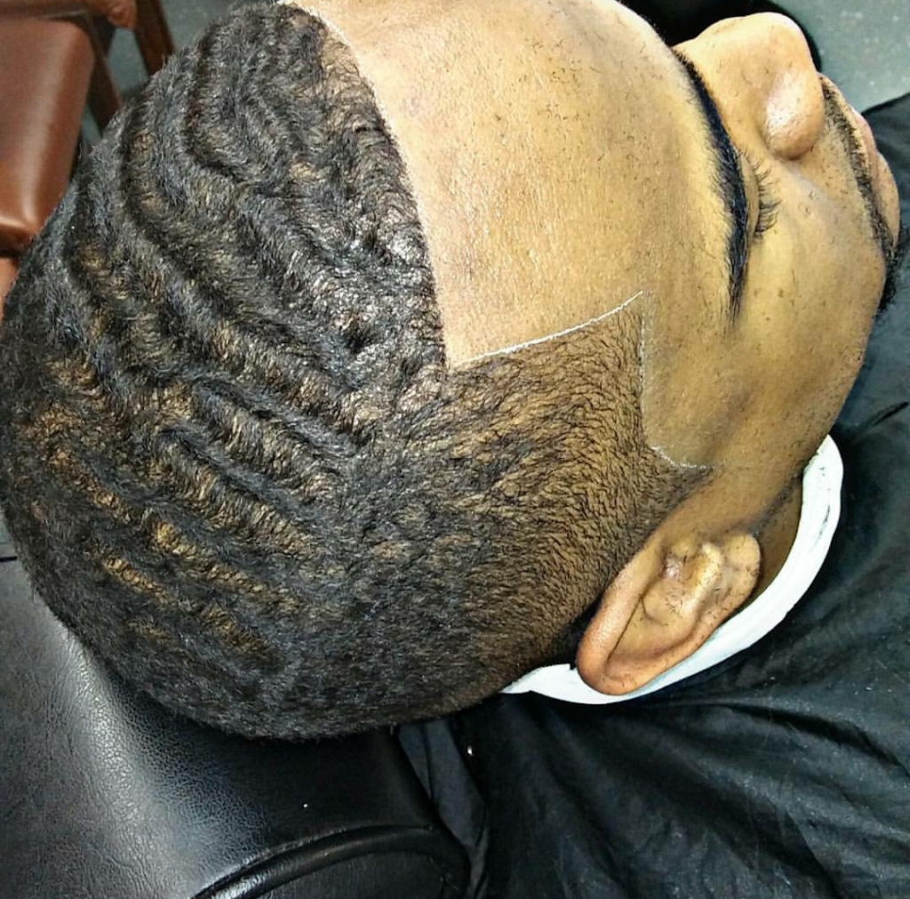Eric C Master Barber - hair care  | Photo 2 of 8 | Address: 6900 South Fwy Suite 136, Fort Worth, TX 76134, USA | Phone: (817) 566-4369